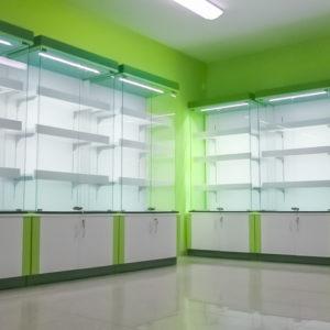 Nasvetlené vitríny so skrinkou