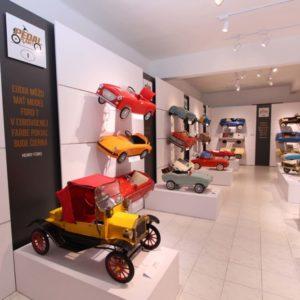 Interiér novej galérie áut